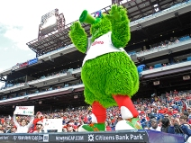 042915-600-philliesfans-phillies-fans-phanatic