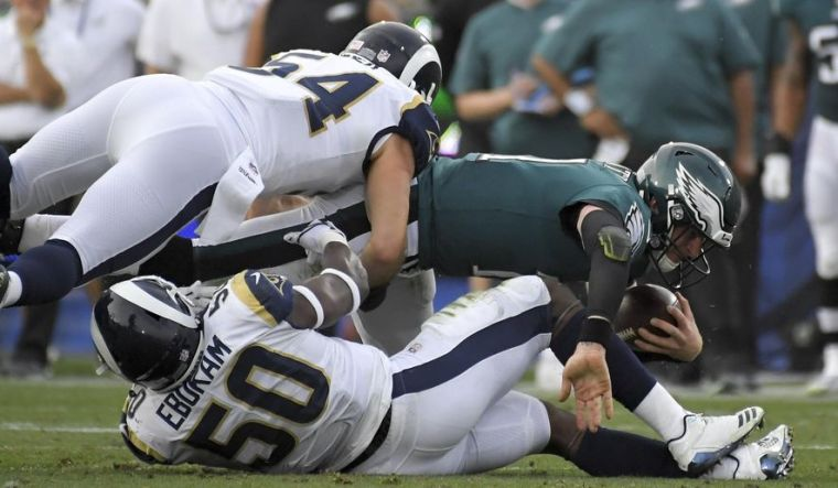 eagles_rams_football_89890_c0-179-2813-1819_s885x516